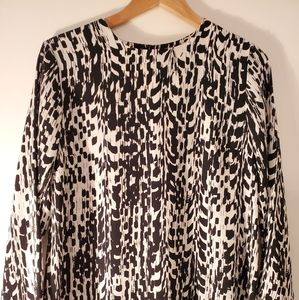 *SALE*XL Womens RENEEC. blouse